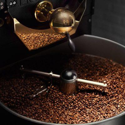 Rostade kaffebönor i mikrorost