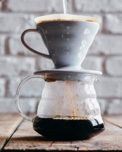 Svart kaffe-V60-filter