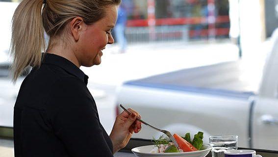 Lunch på Löfbergs café